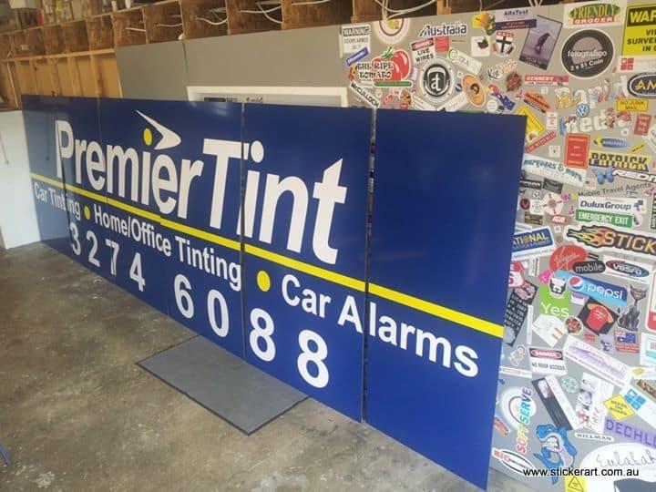 Aluminium-paqanel-sign-vinyl-cut-customer
